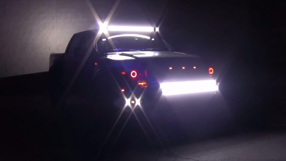 Barra curva led 42 pulg cree 240w para jeep 4x4 maverick for Barra de luz led