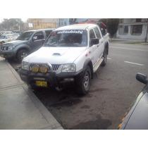 Camioneta 4x4 Mitsubishi Turbo
