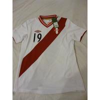 Camiseta Umbro Perú Original Grabado En Felpa Oferta