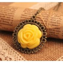 Cadena Collar Vintaje Con Bonito Dije De Rosa Amarillo