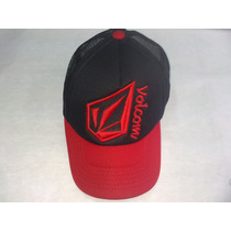 Gorra Volcom Bordado Con Mallita Color Negro Regulador