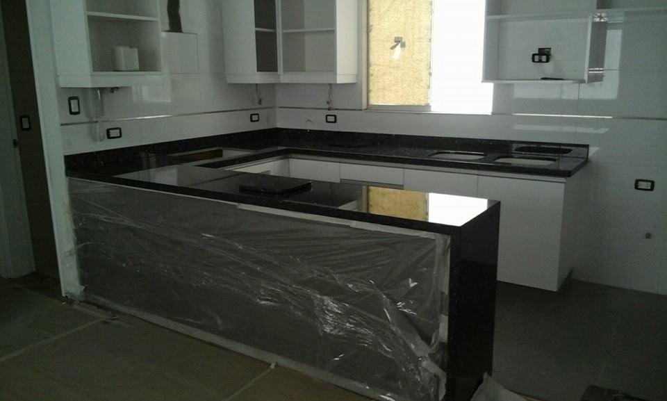 Marmol granito cuarsos tableros de cocina ba os pisos for Marmol de cocina precio