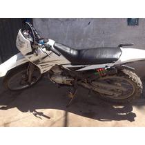 Se Vende Moto Quinqui Explore 200 A S/. 2000