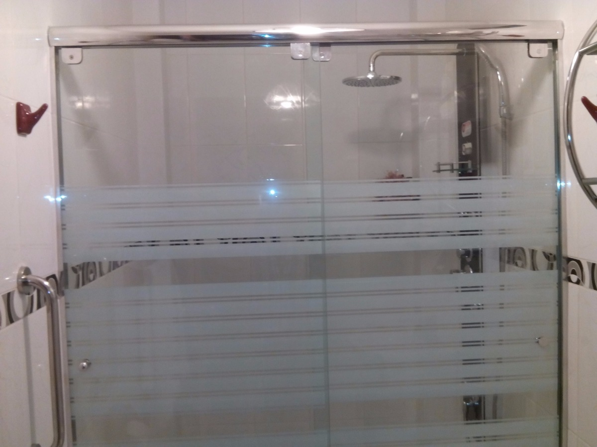 Puertas de vidrio para ba o quito for Puertas de ducha