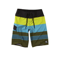 Short Quiksilver 4way Strech Talla 33