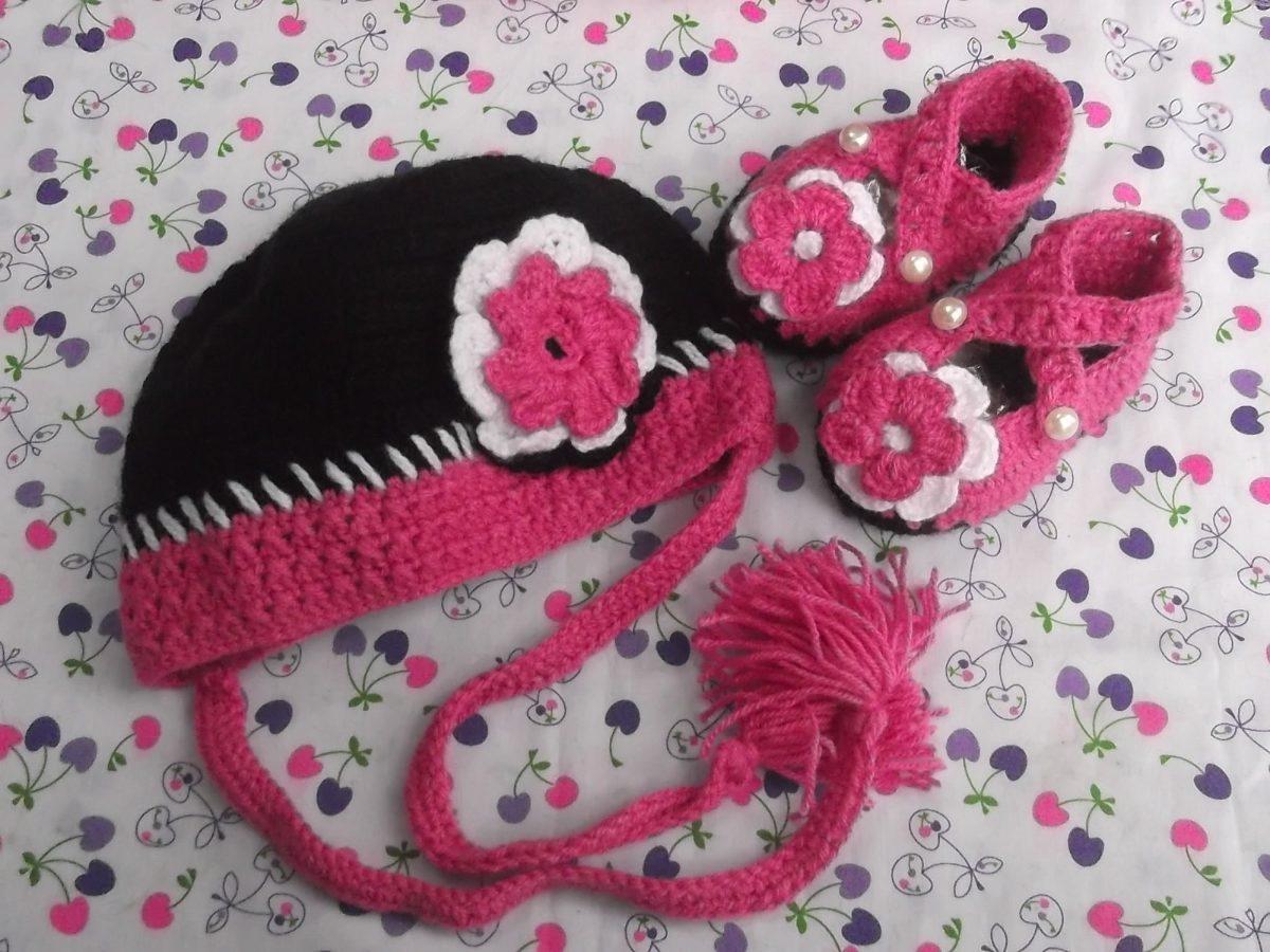 Zapatitos Y Gorritos En Juego Tejidos A Crochet Para Bebe - S/. 35,00